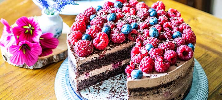 Chocolate-raspberry cake (vegan)